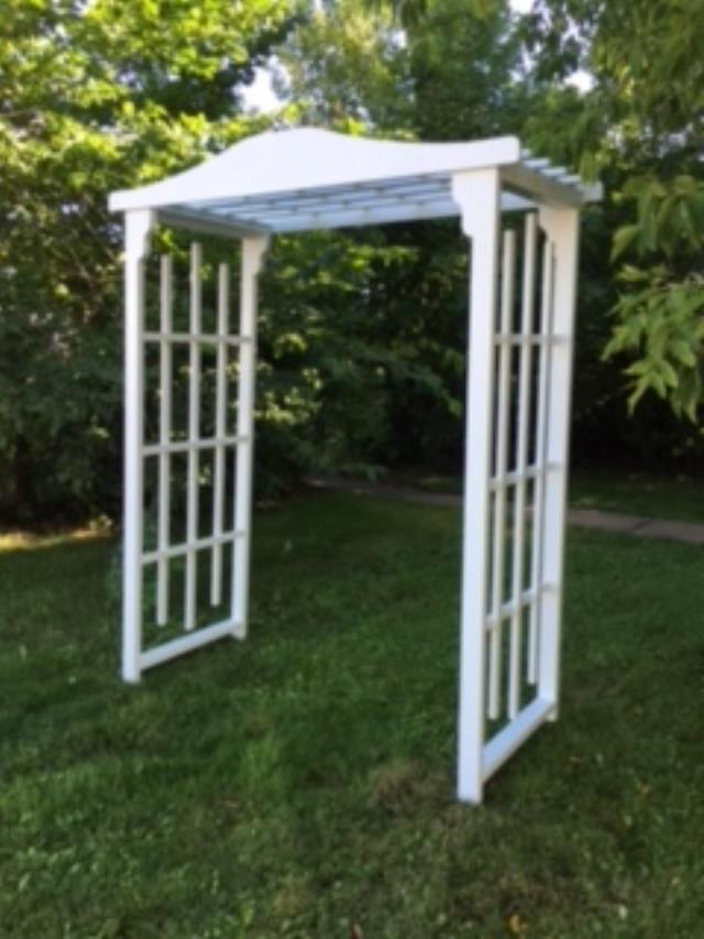 Where to find WEDDING ARBOR - FLAT TOP - WHITE in Duluth